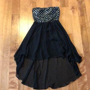Dresses & Skirts - Black high low dress
